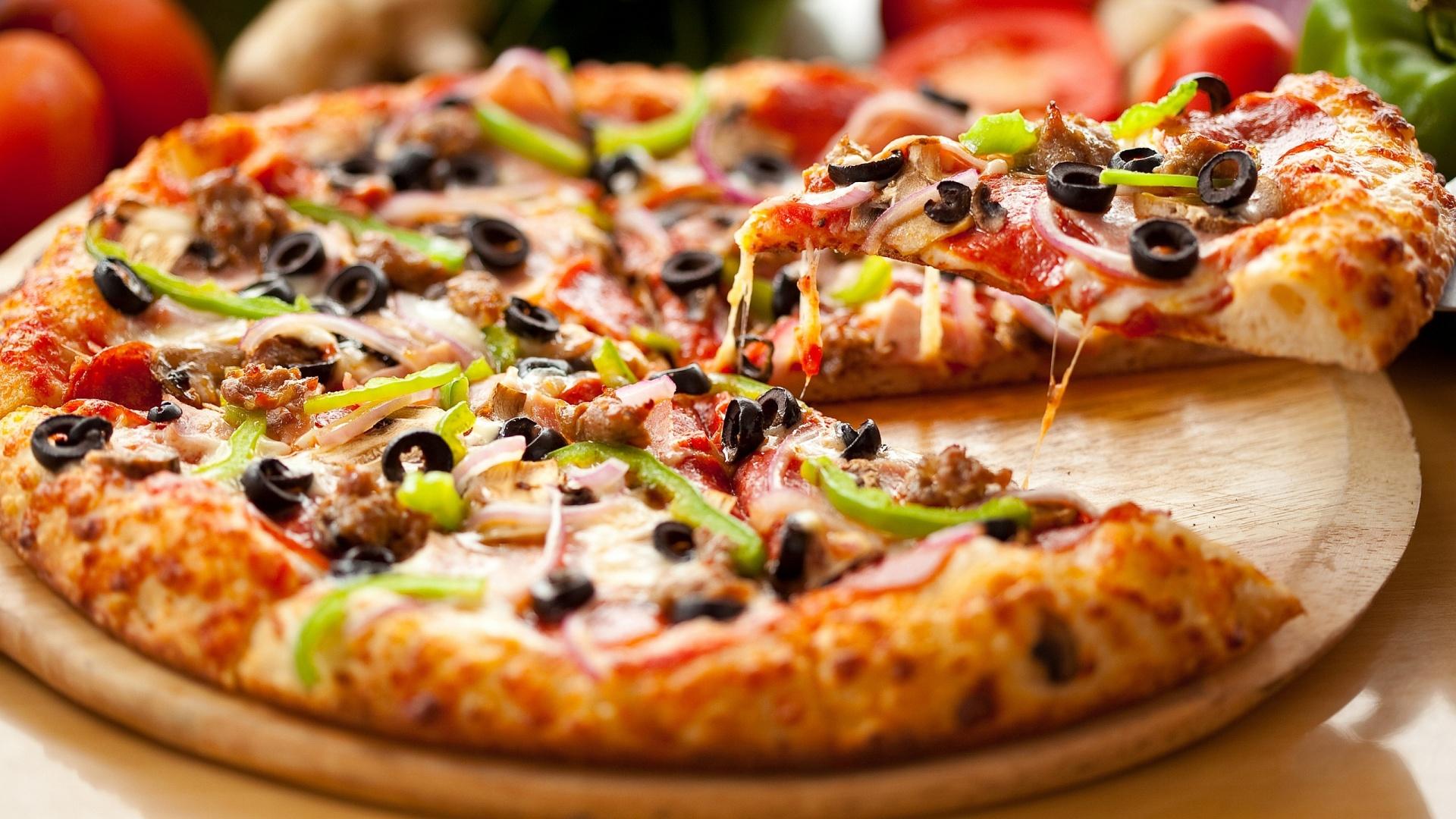 Salami-Pizza-1920x1080